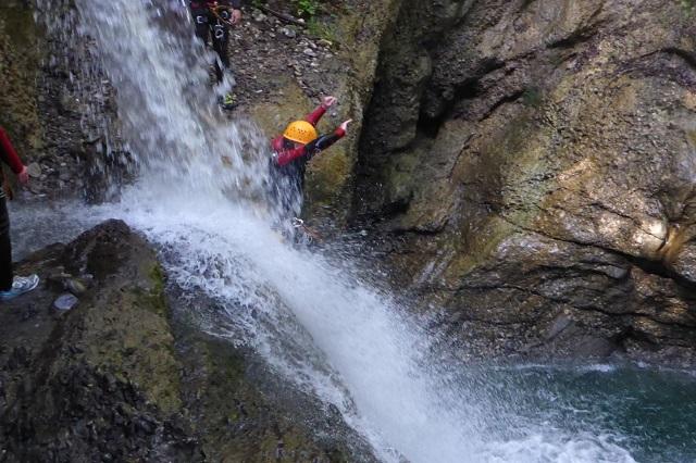 Sicherheit und Comfort während der Canyoningtour.