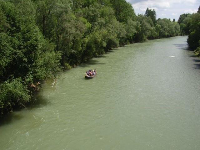 Wir fahren wahlweise auf der Iller bei Kempten (Allgäu) oder der Donau bei Ulm.