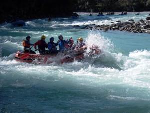 Rafting und Canadier-Rafting für Einsteiger, Sportliche und Profis auf der Iller (Oberallgäu) oder dem Lech (Tirol)